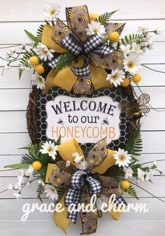 This item is unavailable Diy Decorations To Make, How To Make Wreaths, Daisy Decorations, Fall Wreaths, Mesh Wreaths, Bee Crafts, Wreath Tutorial, Summer Wreath, Diy Wreath