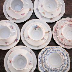Zauberhaftes Vintage Porzellan mit floralen Mustern für deine Hochzeit oder deine Kaffeetafel günstig mieten! Verschiedene Designs und über 100 Gedecke vorrätig!