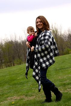 DIY babywearing poncho at http://walkingwithdancers.blogspot.com/2011/04/how-to-make-baby-wearing-coat.html