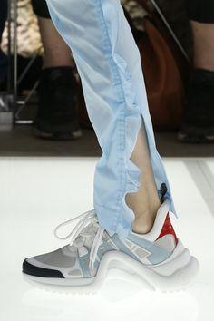 Louis Vuitton Spring 2018 Ready-to-Wear Fashion Show