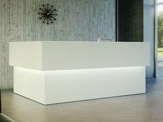Banque d'accueil avec éclairage intégré Collection Quaranta5 by FANTONI