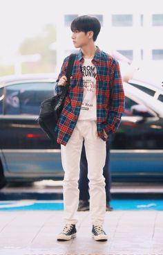 Stranger( Jaemin x Renjun ) Fashion Idol, Kpop Fashion, Airport Fashion, Nct 127, Jaehyun, Taeyong, Huang Renjun, Jisung Nct, Na Jaemin