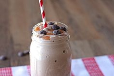 Snickers Protein Smoothie(alter ingredients a bit to reduce carbs)