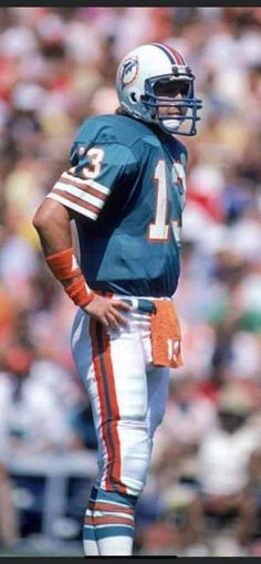 Nfl Football, Football Helmets, Football Pictures, Miami Dolphins, The Man, Athletes, Sports, Legends, Sport