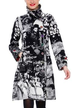 L'Adoration Desigual women's coat from the 100% Desigual line. Long, tailored coat with turtleneck cut. Black and white printed patterns combine with multi-colored buttons. From the Rainbow collection.