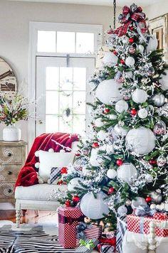 Simple Living Room, Living Room Decor, Christmas Living Rooms, Simple Christmas, Holiday Decorations, Drawing Room Decoration