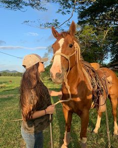 Cute Horses, Horse Love, Beautiful Horses, Cute Country Couples, Country Girls, Western Riding, Horse Riding, Meninos Country, Country Best Friends