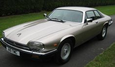 What makes classic motoring so appealing? Xjr, Best Classic Cars, Sexy Cars, Vintage Designs, Luxury Cars, Vintage Cars, Automobile, Jaguar Cars, Vehicles