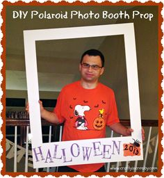 Fall Photo Booth, Polaroid Frame DIY, foam core board fall instead of Halloween Halloween Photo Booth Props, Photo Halloween, Halloween Fotos, Halloween Dance, Diy Photo Booth, Halloween Party, Halloween Games, Fall Photo Booth, Halloween Backdrop
