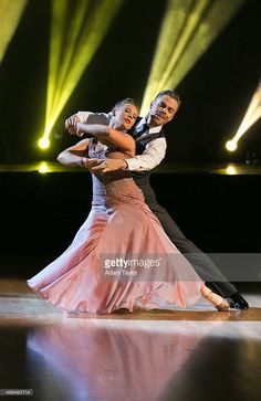 Episode 2109' - This week the six remaining 'Dancing with the Stars' couples performed two show-stopping dances on MONDAY, NOVEMBER 9, 2015 (8:00-10:01 p.m., ET). Bindi Irwin and Derek Hough