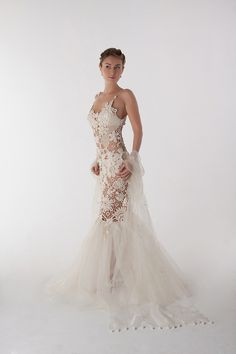 Crochet wedding dress (Svetlana Pushkina) A little too revealing without the underdress, but beautiful! Crochet Skirts, Crochet Clothes, Crochet Lace, Irish Crochet, Crochet Wedding Dresses, Bridal Dresses, Wedding Gowns, Vestidos Fashion, Mein Style