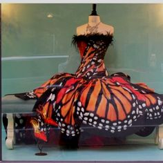 Beautiful dress I wish I had somewhere to wear :)