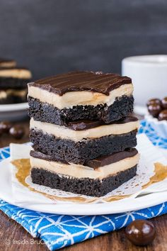 Coffee Cream Brownies - homemade brownies with layers of coffee frosting and chocolate is the way to go. Perfect dessertrecipe for the coffee lovers in your life! Homemade Brownies, Best Brownies, Delicious Desserts, Dessert Recipes, Yummy Food, Yummy Recipes, Dessert Salads, Vegan Desserts, Baking Recipes