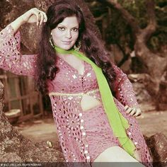 One of the hottest yesteryear actresses, Zeenat Aman made her debut in 1971 after winning Miss Asia Pacific in 1970. She starred in many hit films Hare Rama Hare Krishna, Yaadon Ki Baaraat, Heera Panna, Roti Kapada Aur Makaan, Don and Insaaf Ka Tarazu.