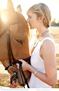 Gorgeous shoot with horses | Photography: Ais Portraits
