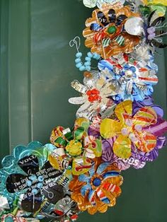Aluminum Can Flower Wreath {recycled soda pop cans}