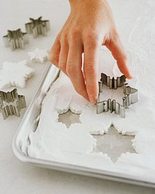 Marshmallow Snowflakes for Hot Chocolate... this is perfect! Use cookie cutters.