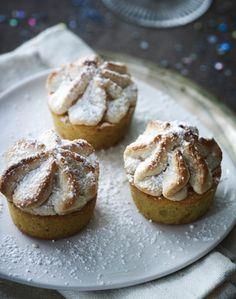 Slut nytårsmenuen af disse himmelske kransekage-cupcakes.
