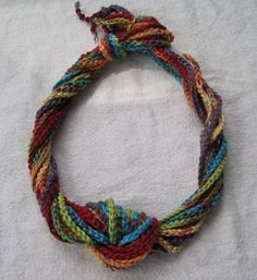Micawber's Recipe for Happiness: Chain of Circumstance, or A Non-Pattern Pattern - necklace made from just a very long chain of variegated yarn. Plus other ideas for a long crochet chain. Crochet Chain, Love Crochet, Crochet Scarves, Crochet Stitches, Knit Crochet, Crochet Necklace, Crochet Patterns, Cowl Patterns, Yarn Necklace