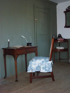 Samuel Howard's room at Old Fort Western. Fort Western, Old Fort, Westerns, Museum, Room, House, Bedroom, Rooms, Haus