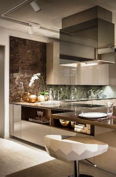 Contemporary Kitchen Ideas – Once you've settled on the choice to redesign your kitchen, the initial step is to assemble thoughts on what you need your new kitchen to resemble. You can get outline thoughts from a wide range of spots, and you can pick and pick particular plan thoughts from contrasting sources to make the kitchen you've generally needed for your home.
