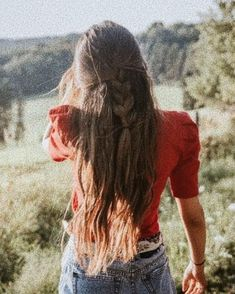 Bandanna belt is the perfect rustic bohemian accessory to pair with denim daisy dukes and a cap sleeve blouse My Hairstyle, Messy Hairstyles, Pretty Hairstyles, Brunette Hairstyles, Curly Hair Styles, Natural Hair Styles, Top Braid, Cut Her Hair, Braids For Long Hair