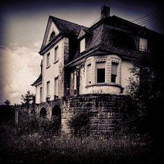 Maniac Mansion #lost #urbex #saarland #abandoned