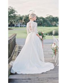 Modest Long Sleeve Wedding Dresses Open Back Vintage Lace Pearls Chapel Train V-Neck 2017 Country Garden Tulle Bobo Bridal Gowns Tulle Wedding Dresses, Wedding Dress Sleeves, Long Sleeve Wedding, Bridal Gowns, Wedding Gowns, Bridal Shoot, Lace Wedding Dress Ballgown, Winter Wedding Dresses, 2 Piece Wedding Dress