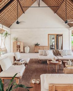 Interior Design Inspiration, Home Interior Design, Interior Decorating, Interior Architecture, Furniture Removalists, Outdoor Furniture Sets, Sweet Home, Living Comedor, Beautiful Villas