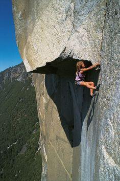 Lynn Hill, Yosemite Climbing, Mountain Climbing, Mountain Biking, Climbing Girl, Sport Climbing, Rock Climbing Training, Trekking, Yosemite Valley