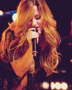 demi lovato   #demetria lovato   #demi   #demetria   #lovato   #blonde   #long hair   #long   #hair   #sing   #singer   #singing   #tattoo   #word   #faith   #pretty
