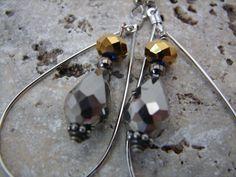 Teardrop Silver Color Hoop Silver/Gun Metal by NopalitoVintageMore