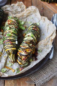 Hasselback Zucchini mit Cheddar und Bacon   Das Knusperstübchen