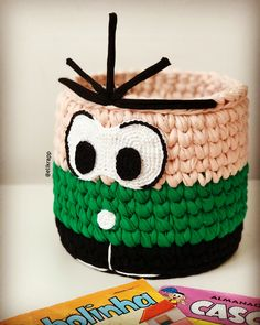 Arts And Crafts Light Fixture Arts And Crafts Ideas For Toddlers Info: 7375182412 Crochet Bowl, Thread Crochet, Crochet Crafts, Crochet Projects, Crochet Basket Tutorial, Crochet Basket Pattern, Hello Kitty Purse, Diy Gifts For Dad, Crochet Kitchen