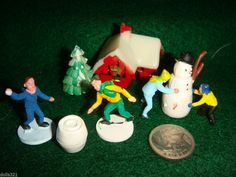 CHRISTMAS MINIATURE TINY VILLAGE PEOPLE,SNOWMAN,CHILDREN,HOUSE,SKATERS