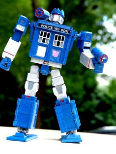 Tardis Transformer (an unusual crossover)