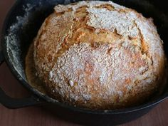 Eltefritt grytebrød med sprø skorpe | Oppskrift | Meny.no Granola, Tapas, Food And Drink, Snacks, Baking, Appetizers, Bakken, Backen, Muesli