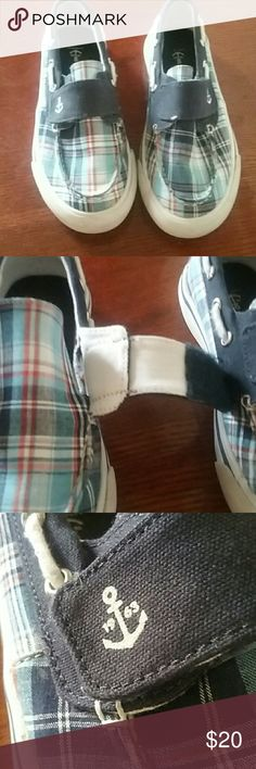 Land's End Boy's Size 2 Up for sale is a nice used pair of Land's End Boy's Size 2 Blue Plaid Land's End Shoes