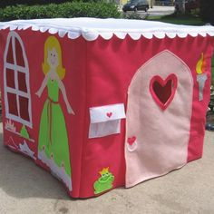 Play house made from felt to fit over your card table!! SO CUTE!!!!