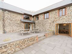 Book your holiday at Tennacott Lodge - Quality self-catering accommodation in North Devon