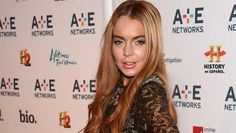 Lindsay Lohan is 25 years old;at her age, her face betraying the ultra Botox. She appears in 20 more...    The young woman returned to red a few weeks ago, is increasingly unrecognizable.Invited to a Wednesday evening New York, Lindsay Lohan had take ...