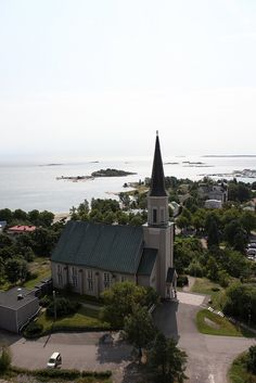 Kirkko Hangossa #Hanko #Finland Scandinavian Countries, Places Ive Been, The Good Place, Coast, Around The Worlds, Mansions, Country, Architecture, Amazing Places