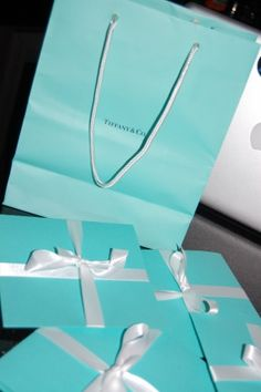 DIY Tiffany's invitations sooo cool never seen this before <3