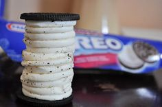 WANT! I think they need to start making quadruple-stuffed Oreos...
