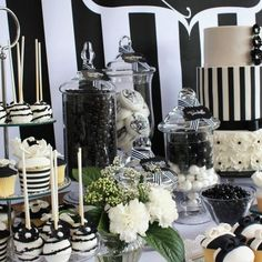 56 Elegant Black And White Wedding Dessert Tables 56 Elegant Black And White Wed. Black And White Wedding Theme, Black White Parties, Black And White Colour, Wedding Navy, Dream Wedding, White Dessert Tables, White Desserts, Black Dessert, Wedding Desserts