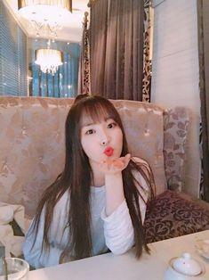Si kampret :v Kpop Girl Groups, Korean Girl Groups, Kpop Girls, Solo Photo, Gfriend Yuju, Jung Eun Bi, G Friend, Fandom, I Love Girls