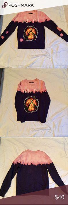 Graphic tye dye sweatshirt Excellent condition very nice good quality Shirts Sweatshirts & Hoodies
