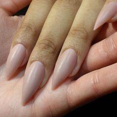I love natural nails color! Love Nails, How To Do Nails, Pretty Nails, My Nails, Hair And Nails, Almond Shape Nails, Almond Nails, Pointed Nails, Stiletto Nails