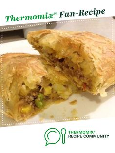 Recipe Lamb and vegetable Pastie by ThermoFied, learn to make this recipe easily in your kitchen machine and discover other Thermomix recipes in Main dishes - meat. Danish Pastries, Veggie Stock, Cook Up A Storm, Savoury Baking, Recipe Community, Food N, Empanadas, Tray Bakes, Meat Recipes