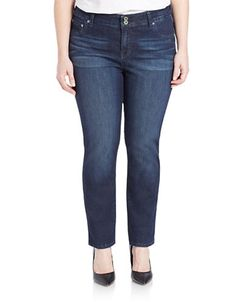 Lucky Brand brings you these straight leg jeans. Features five-pocket styling; pair with a casual tee and flats for effortless style.